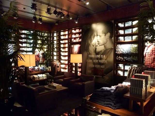 Il visual merchandising in Abercrombie & Fitch